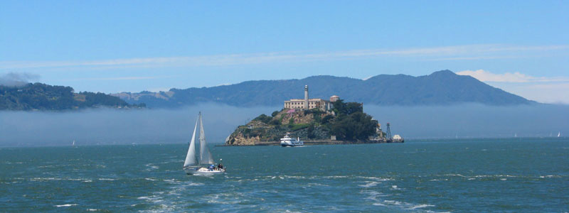 Sail-to-Alcatraz-Island-by--Ferry-cruise-ship